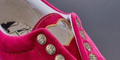 ?#24179;?#20043;风!VANS 推出 JOJO 主题联名鞋款