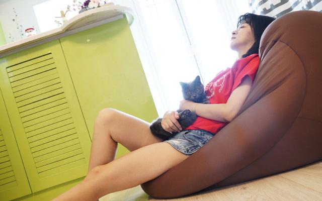貓咪都無法抗拒的懶人沙發,比葛優躺舒服多了 | 視頻