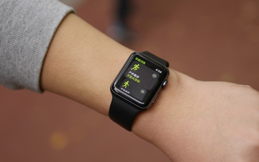 不用抱iPhone大腿了!能獨立出去浪的第三代蘋果手表,才是今年最有誠意新品