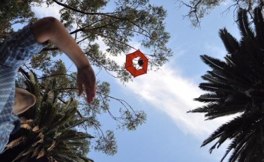 給GoPro穿上降落傘,不用無人機也能航拍