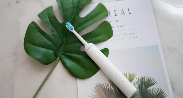 颜值与功能并存,刷出一口大白牙 | wellsmile1M电动牙刷体验