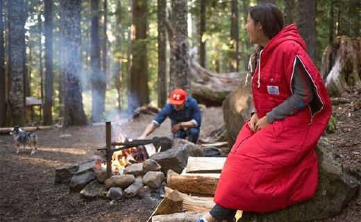 能當夾克的戶外睡袋,讓你睡得溫暖還活動自如