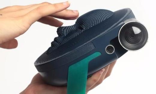 专为盲人设计的相机,通过触摸感受世界