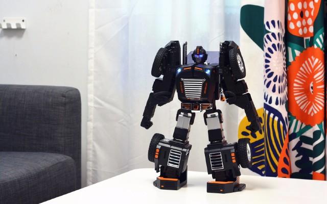 能玩還能學編程,國產變形機器人