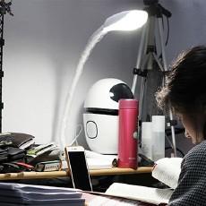 ?#36864;?#22827;小太阳低蓝光LED触控台灯: 书桌小太阳,照亮备课加班