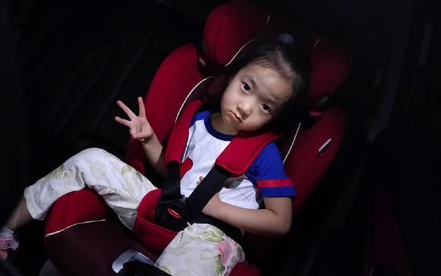 不容忽視的兒童乘車安全保障:kiwy兒童安全座椅使用分享