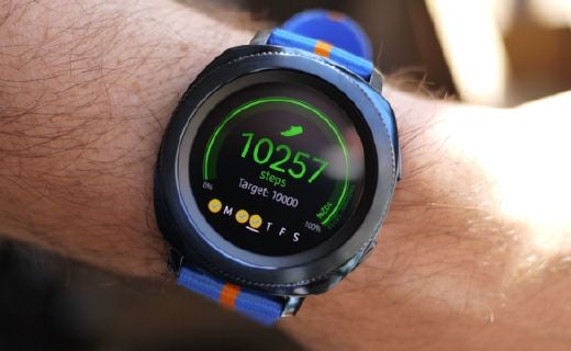 三星推出全新運動腕表,顯示更絢麗還能監測心率