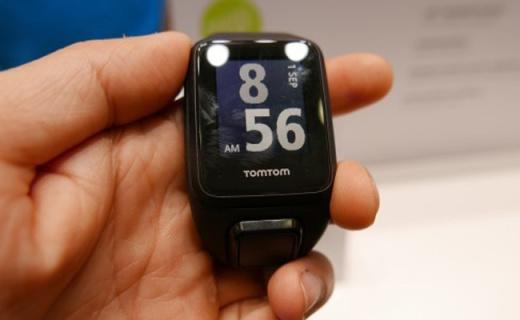 TomTomRunner 3运动腕表:多种运动集一身,表带?#21830;?#25442;