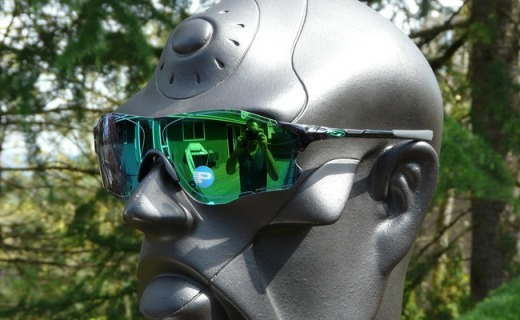 ?#25151;?#21033;EVZero Path太阳镜:翡翠绿镀膜防UV蓝波,清晰还原不位移