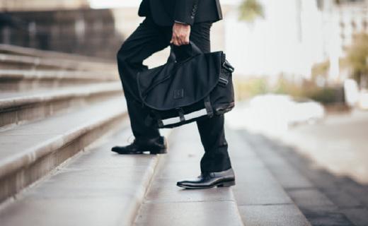 能適應大部分使用場景的通勤包,容量大還耐用