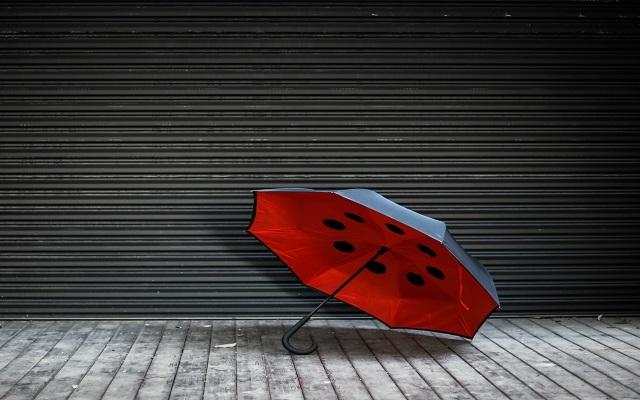 Ideashow反向晴雨傘:晴天打不熱,雨天打不濕 | 視頻