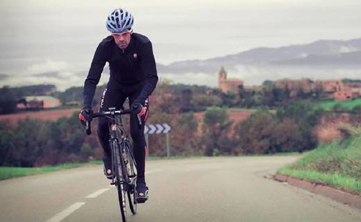 Santic男式騎行長褲:面料結實耐磨防風防水,導流設計排汗去濕