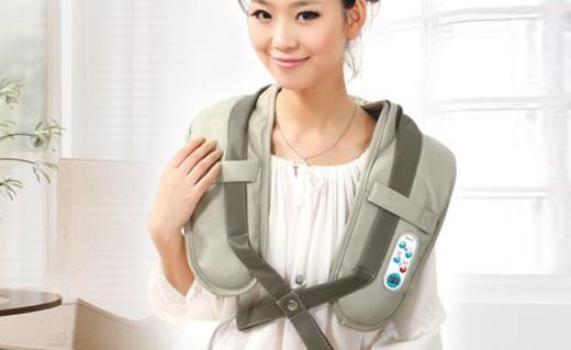 倍輕松頸椎按摩器:仿真人手捶打按摩,脖子不酸肩膀不疼