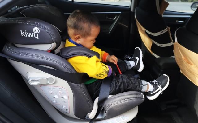 開車父母的放心之選|kiwy艾莉兒童安全座椅體驗