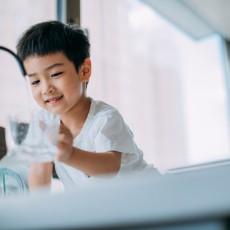 「體驗」想喝就喝   康麗根純水機,時刻保證孩子用水安全