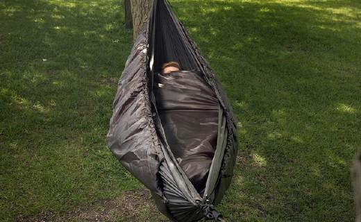 長得像繭的戶外睡袋,內外全滌綸讓你睡得超溫暖