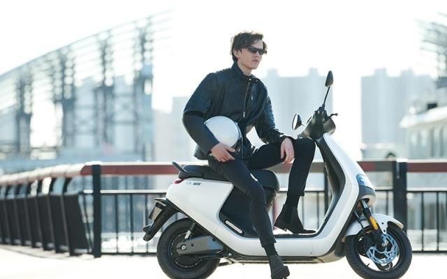 九號電動摩托車E100