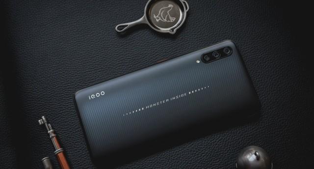 这波更新最优秀!实力吃鸡王者 iQOO手机体验