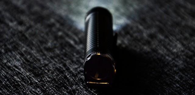 嘘.看清楚 隐蔽出击 | NITECORE P18静音战术手电