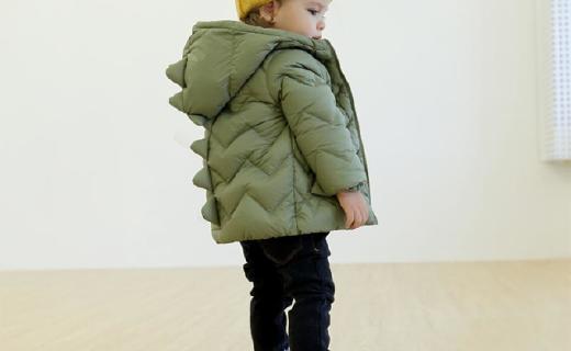 隸瑪兒童羽絨服:90%白鴨絨高效保暖,人體工學設計防風