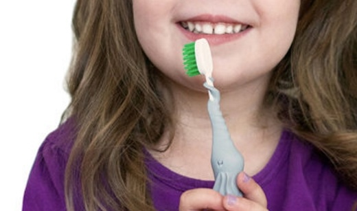 Baby Banana小象牙刷:安全材质使用放心,柔软手柄保护牙龈