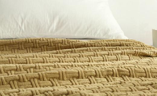 Vanilla Butterfly手工毯 :羊毛触感温暖舒适,竹节?#35780;?#20984;现质感
