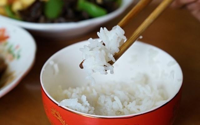 """为了一口香米饭,我心?#26159;?#24895;背上这口""""黑锅"""" — 苏?#28810;?精铁球釜内胆IH电磁加热电饭煲体验"""
