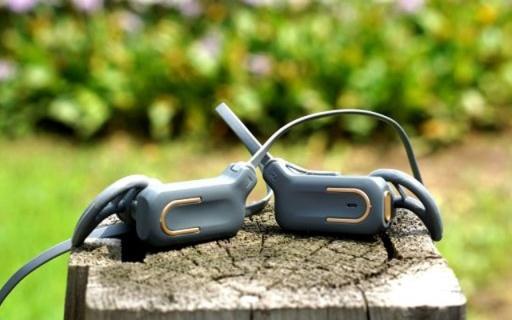 拒绝运动时听诊器效应,小巧轻便CD般音质 — 优思当运动蓝牙耳机万博体育max下载