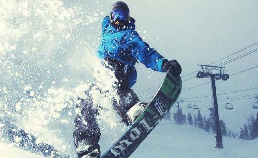 迪卡侬男士单人滑雪板:炫酷稳定,任何地形的雪场都适用
