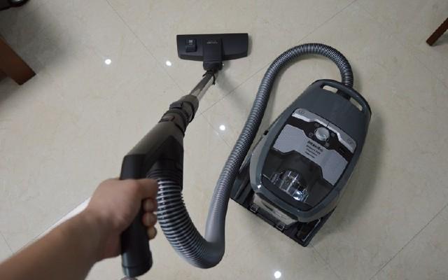 居家好帮手:美诺CX1尘桶式吸尘器