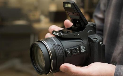 尼康P900s長焦相機:83倍光學變焦等效2000mm,攝月打鳥神器