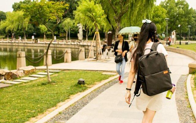 出外旅行一個背包全搞定,宜麗客相機背包體驗