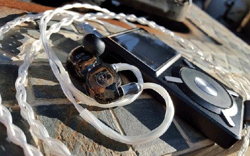 铁三角IM01动铁耳机:专业又个性,绕耳设计更舒适