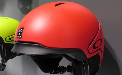 歐克利MOD3滑雪頭盔:MIPS防撞擊系統,無壓力耳罩全方位保護