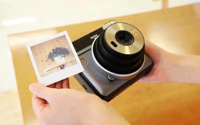 和女友一起找點樂趣,富士一次成像相機SQ6輕評測