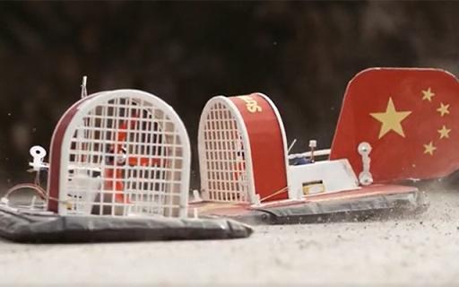 美国奇葩教育公司用废品做气垫船,但孩?#29992;?#37117;玩疯了。