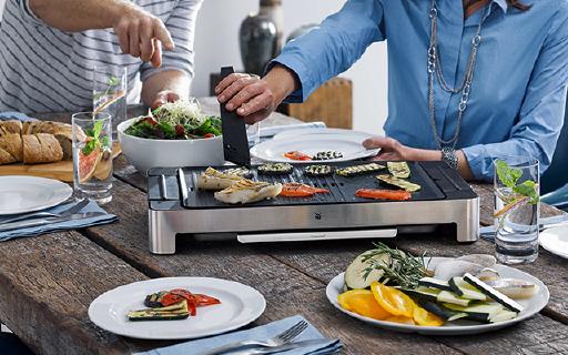 WMF多功能燒烤機:烤盤烤網全都有,特殊涂層無油不粘