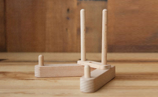 Shuter L3337書架:純木結構保留自然紋理,體積小巧方便攜帶