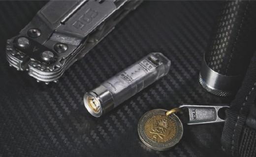 這是一支有趣又實用的鑰匙燈|執火者 A8 EDC手電評測