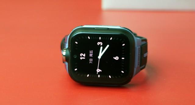 小米小寻手表新年首发,首款全面屏AI手表小寻MAX Pro