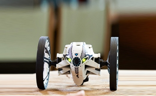 Parrot智能遥控车:手机智能操控,多种玩法趣味无穷