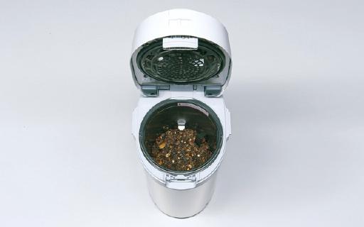 日本黑科技垃圾桶,一晚上垃圾就能变化肥
