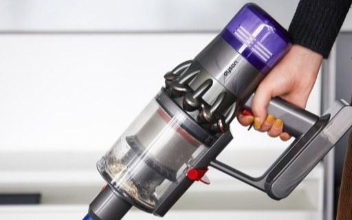 「动手玩」戴森V11上手体验,吸尘器的智能化到底怎么玩?