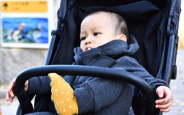 能坐能躺座椅寬,寶寶舒適爸媽笑,kiwy嬰兒推車