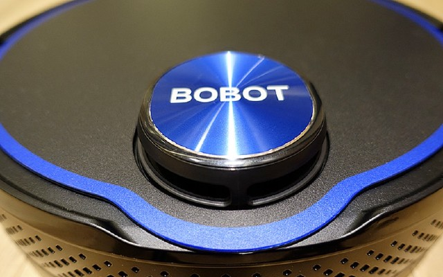 BOBOT激光导航扫地机,不但可有效清除灰尘,还可以进行湿拖!
