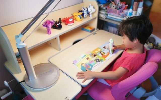 還有一年就要上小學了,說說為幼升小準備的愛果樂兒童學習桌椅