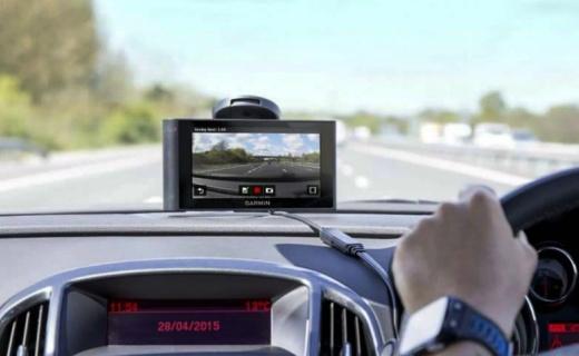 佳明NuviCam导航仪:6英寸电容屏,还能监测胎压