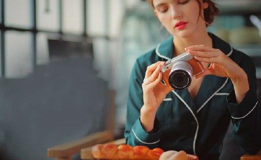 富士X-A10微單相機:1630萬有效像素,180度翻轉屏幕自拍方便