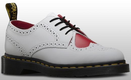 Dr.Martens 新款爱心牛津鞋,情人节虐狗必备