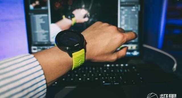 """最""""硬""""的運動手表:為運動而生,跑酷OG帶它挑戰身體極限""""磕一次硬核挑戰"""""""